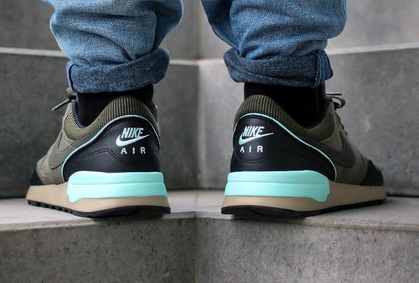 Nike Air Odyssey LTR 'Cargo Khaki' aux pieds (4)