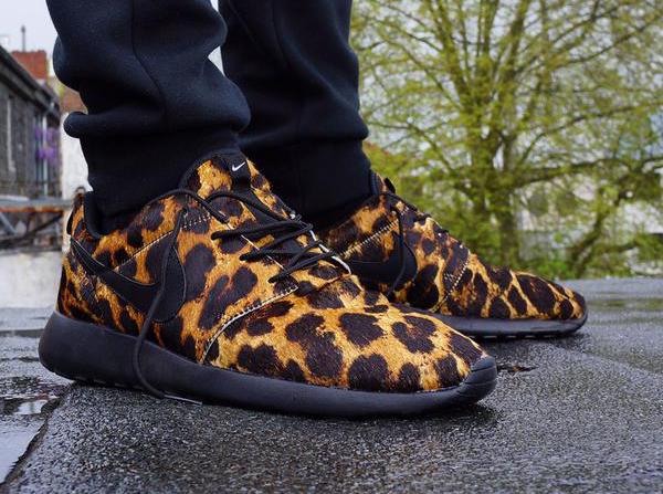 Nike Roshe One Poney Hair aux pieds - Sashhates
