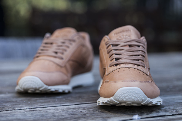Reebok Classic Leather Lux 'Horween' (tan) (3)