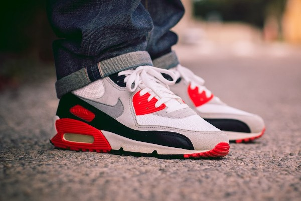 2001-Nike Air Max 90 Infrared - Haroun Tazzief-1