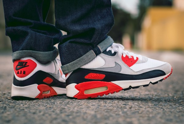 2001-Nike Air Max 90 Infrared - Haroun Tazzief