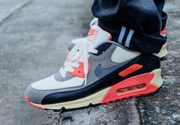 2013-Nike Air Max 90 Infrared Vintage -  Marco Tiongco