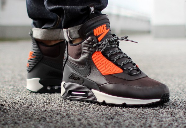 2014-Nike Air Max 90 Sneakerboot - Asphaltgold