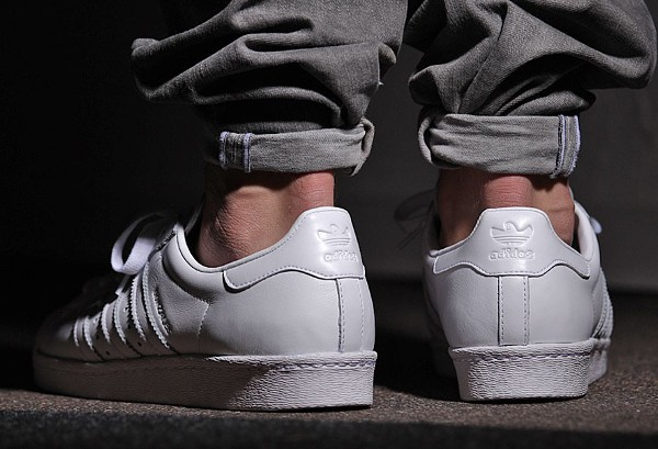 Adidas Superstar 80's x Mark Gonzales 'The Gonz' aux pieds (3)