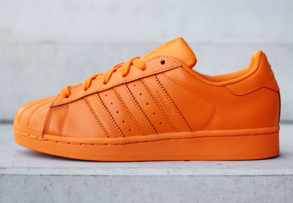 adidas superstar supercolor par pharrell williams notre avis. Black Bedroom Furniture Sets. Home Design Ideas