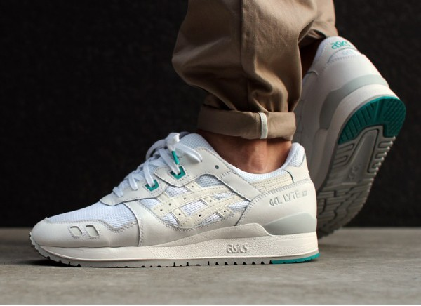 Asics Gel Lyte 3 White White Teal aux pieds (1)
