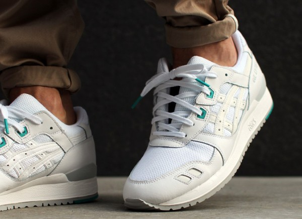 Asics Gel Lyte 3 White White Teal aux pieds (2)