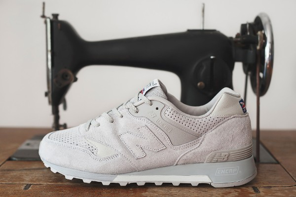 New Balance 577 Grey 'Flying The Flag' (gris) (4)