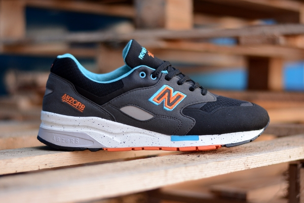 New Balance CM1600 Sonic Weld Black Orange Blue (1)