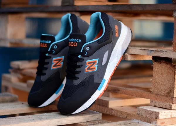 New Balance CM1600 Sonic Weld Black Orange Blue (2)