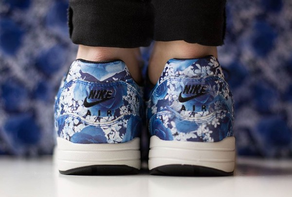 Nike Air Max 1 Ultra City 'Floral' Tokyo aux pieds (3)