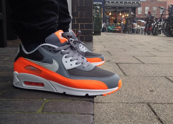 air max grise et orange
