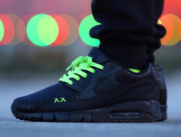 Nike Air Max 90 x Kaws - Rvftsimmons