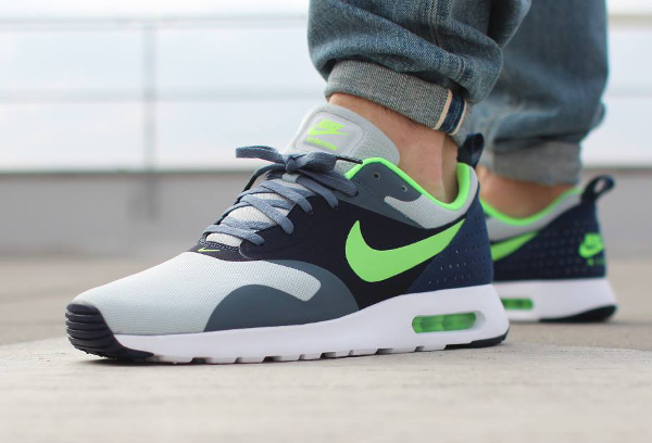 Nike Air Max Tavas Grey Mist Flash Lime Armory SLT Obsidian (2)