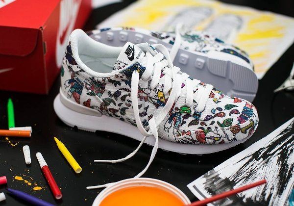 Nike Internationalist White Clear Black QS (2)