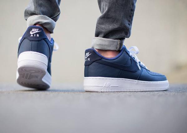 Nike Air Force 1 Low Yacht Club (bleu marine)   Sneakers Actus