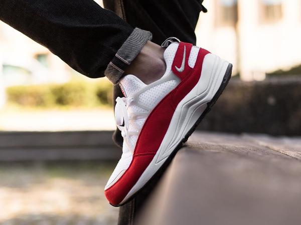 Nike Air Huarache Light White University Red Grey (4)