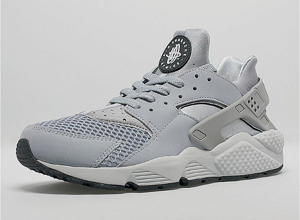 Nike Air Huarache Wolf Grey Pure Platinum (1)