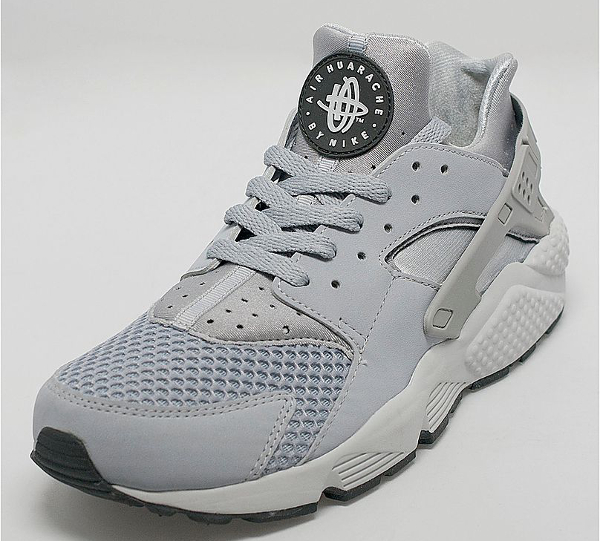 Nike Air Huarache Wolf Grey Pure Platinum (2)