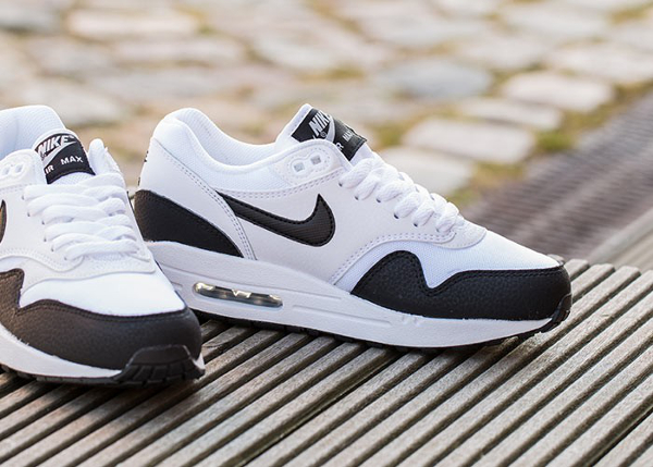 Nike Air Max 1 Essential White Metallic Silver Black (2)