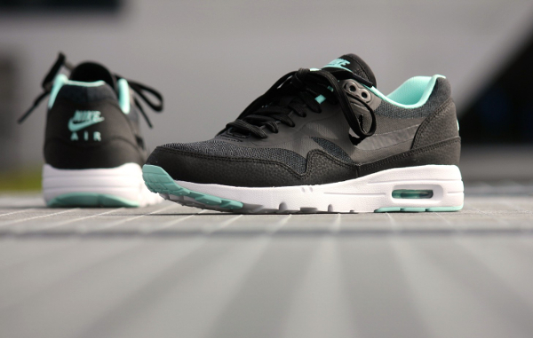 Nike Air Max 1 Ultra Essentials Black Artisan Teal White (2)