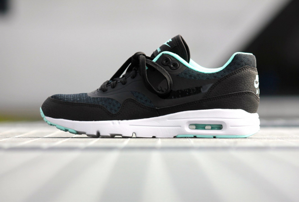 Nike Air Max 1 Ultra Essentials Black Artisan Teal White (3)