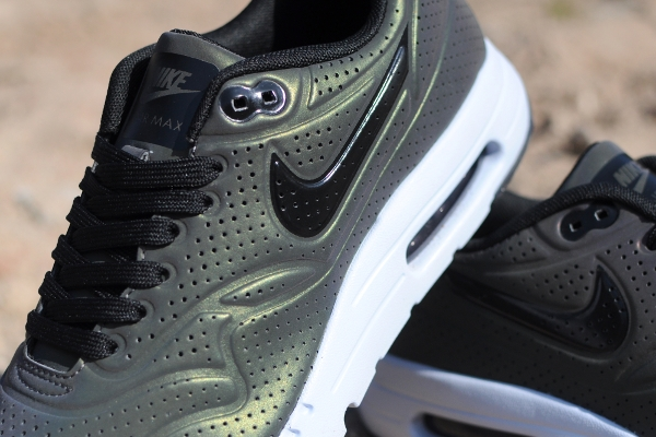 Nike Air Max 1 Ultra Moire Deep Pewter Holographic (3)
