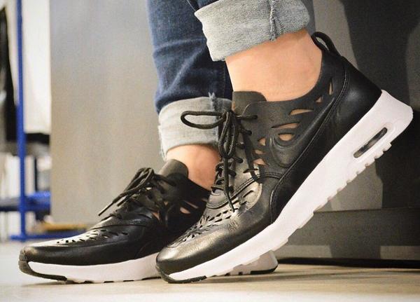Nike Air Max Thea Joli Black (cuir noir perforé) (2)