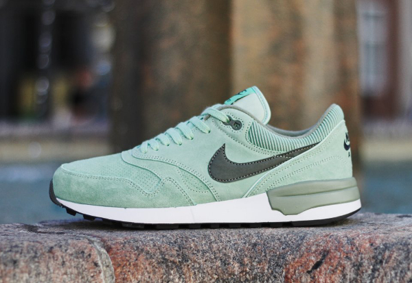 Nike Air Odyssey Leather Enamel Green (vert menthe) (1)