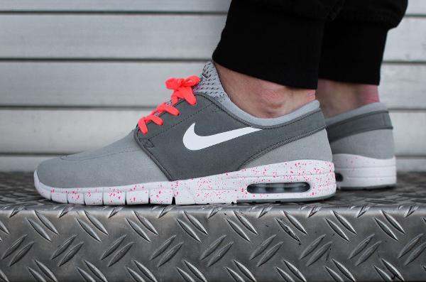 Nike SB Janoski Max Wolf Grey Hot Lava (gris et rose) aux pieds (4)