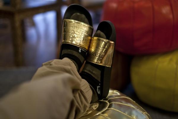 sandales Adilette Jeremy Scott Plaque (4)