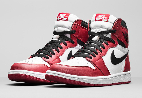Air Jordan 1 High OG Chicago Retro 2015