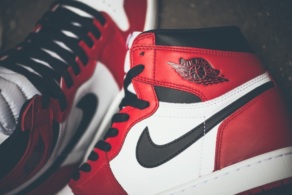 Air Jordan 1 Retro High OG White Varsity Red 2015 (6)