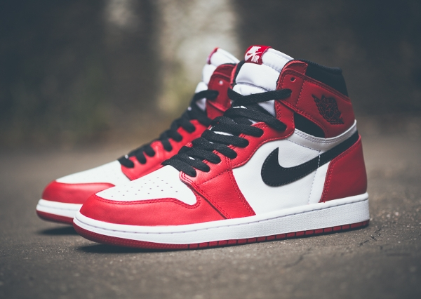 Air Jordan 1 Retro High OG White Varsity Red 2015 (9)