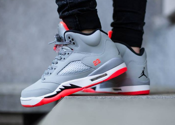 Air Jordan 5 gris