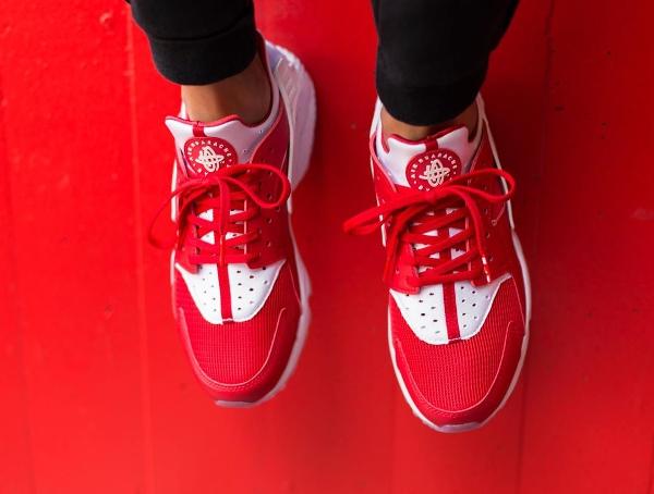 Nike Air Huarache City Milano White University Red (2)