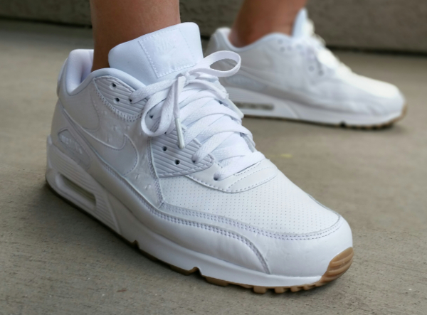 Nike Air Max 90 Leather PA White Ostrich Gum (4). Photos : Never_NVRENAUF,  Hanon, Seango