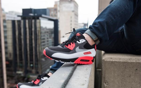 Nike Air Max 90 OG Black Neutral Grey Hyper Crimson (2)