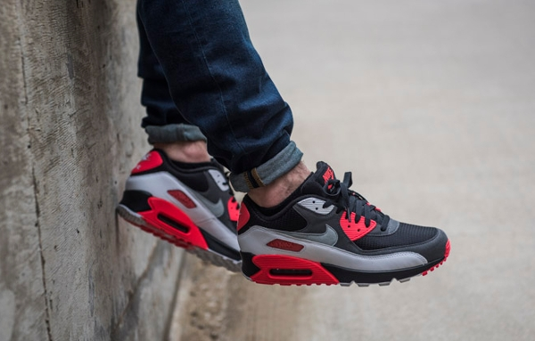 Nike Air Max 90 OG Black Neutral Grey Hyper Crimson (4)