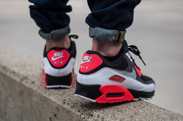 Nike Air Max 90 OG Black Neutral Grey Hyper Crimson (5)
