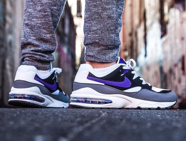 Nike Air Max 94 OG Court Purple Retro 2015 aux pieds