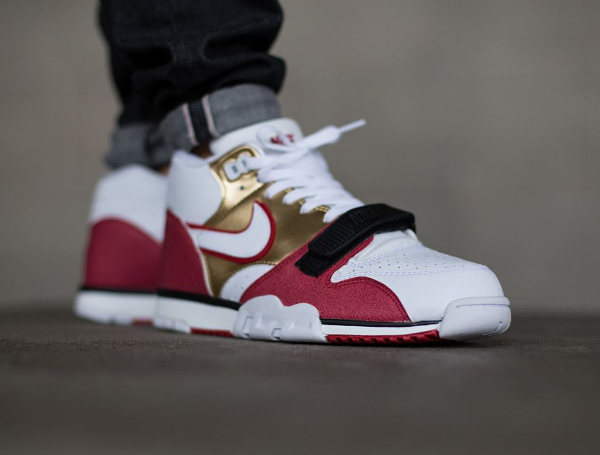 Nike Air Trainer 1 Mid Jerry Rice Bricklayer (briques & truelles) (1)