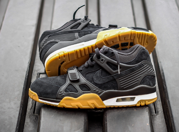 Nike Air Trainer III Black Gum Suede (3)