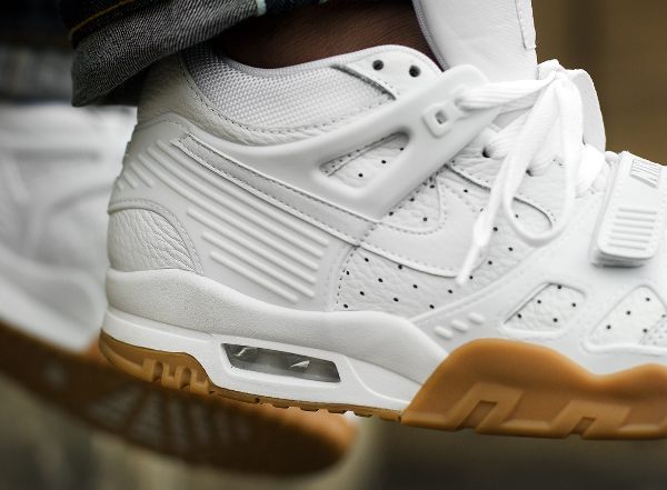 Nike Air Trainer 3 White Gum aux pieds (1)