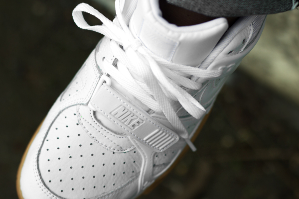 Nike Air Trainer 3 White Gum aux pieds (2)