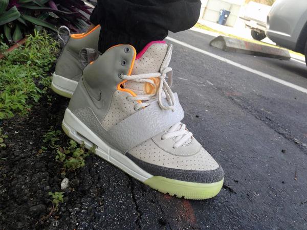 Nike Air Yeezy Zen Grey - TRZackery