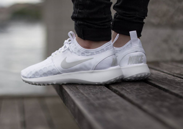 Nike Juvenate White Pure Platinum (femme) (1)