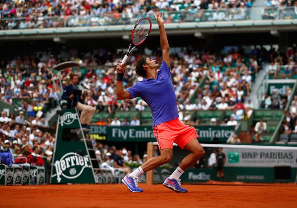 Roger Federer en Nike Zoom Vapor 9.5 Tour Roland Garros 2015 (2)