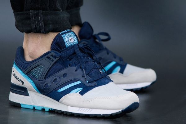 Saucony Grid SD Games Pack Navy Grey aux pieds