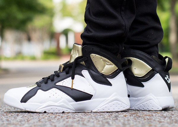Air Jordan 7 Champagne White Black Gold (2)